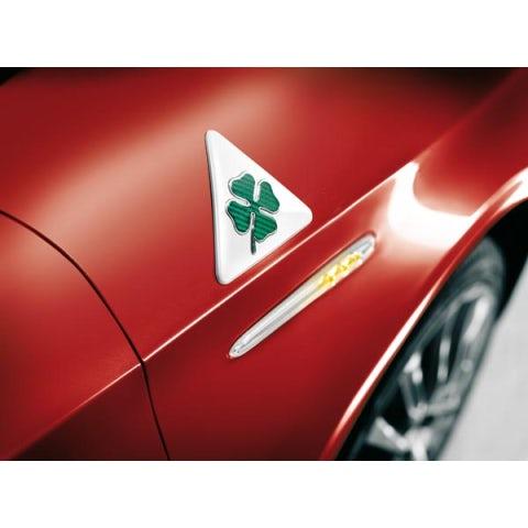 Green coverleaf badge